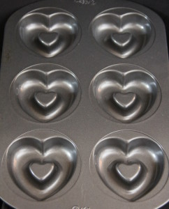 chicken-treats-heart-cookware